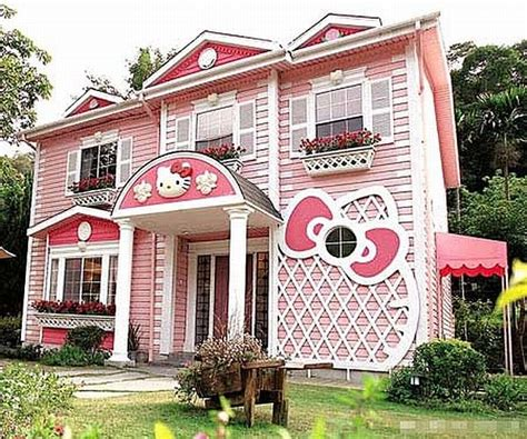 Hello Kitty House in Shanghai   Freshome.com