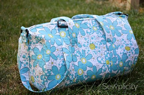sewing patterns quilted bags the sewplicity quilted duffle bag sewplicity