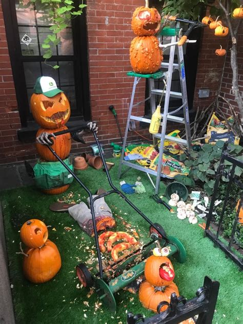 level scary halloween decorations  freaked