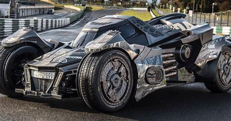 Lamborghini Batmobile Supercarworld Lamborghini Powered Batmobile Steals The