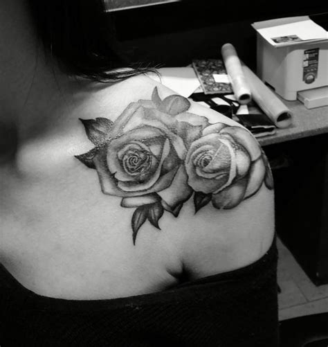 black rose shoulder tattoo best 25 shoulder tattoos ideas on flower