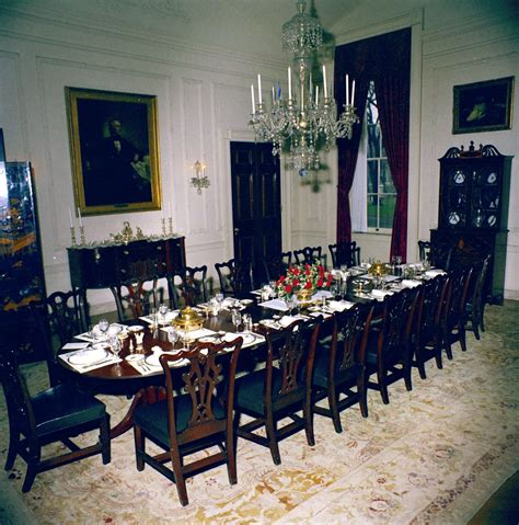 White House State Dining Room White House Rooms State Dining Room Family Dining Room Settings And Flowers F