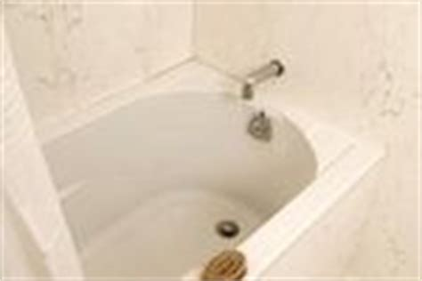 Bathtub Discoloration by How To Remove Bathtub Discoloration Bathtubs