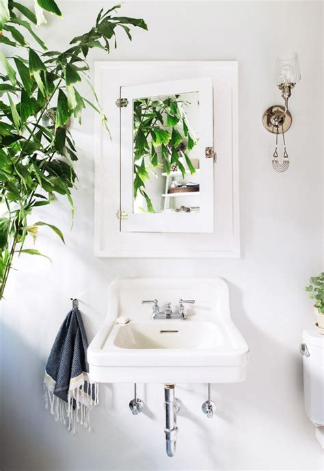 tropical mirrors bathroom 25 best ideas about tropical bathroom mirrors on