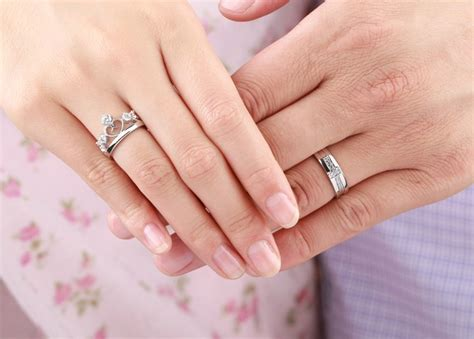 Cincin Murah Cincin Pesta Ring R0039 rings silver crown prince and princess for