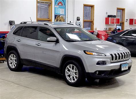 small jeep cherokee 2014 jeep cherokee off road small suvs consumer