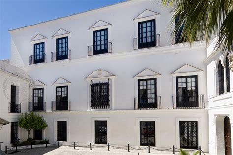 casa medina sidonia fachada principal del palacio de los guzmanes fundaci 243 n