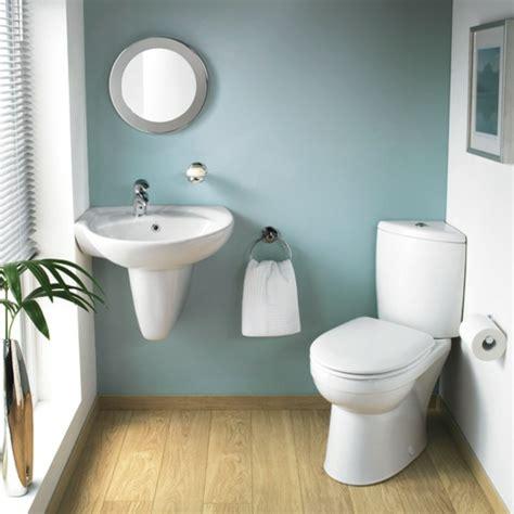 ideen badezimmergestaltung badezimmer wei 223 und grau mit einer gr 252 nen pflanze 30