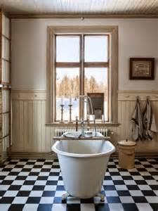 Carreaux Pour Salle De Bain #1: salle-de-bain-rétro-carrelage-damier-noir-blanc.jpg