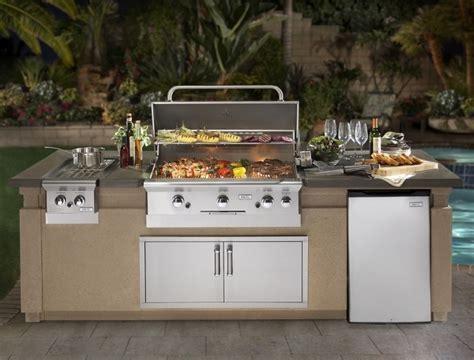 photo cuisine exterieure jardin barbecue fixe fonctionnel et esth 233 tique dans le jardin moderne