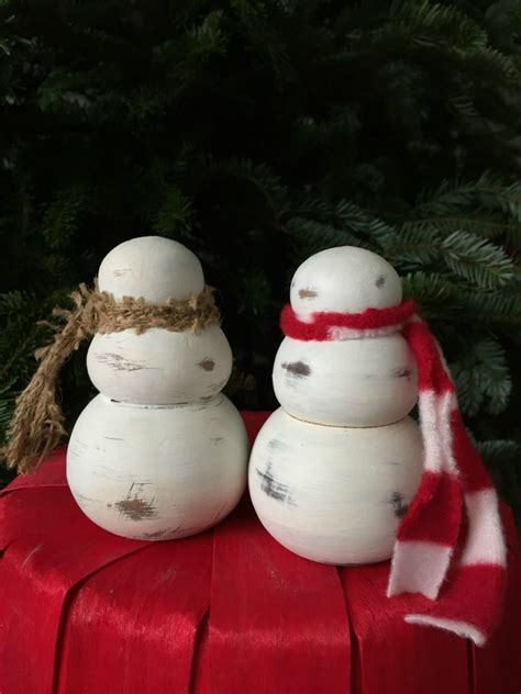 diy rustic snowmen   farmhouse christmas     creativity