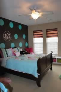 bedroom blue brown