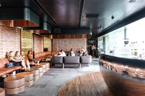Top Cocktail Bars Singapore by 11 Best Cocktail Bars In Singapore That Will Shake Up Your Day