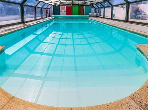 cottages with room and swimming pool 8 cottages with indoor pool and room on