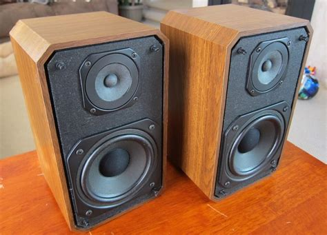 optimus sts 50av bookshelf speakers like realistic