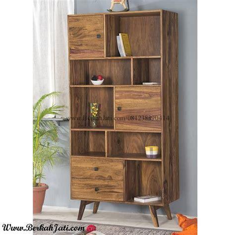 Lemari Kayu Ruang Tamu lemari pajangan minimalis kayu model vintage berkah jati