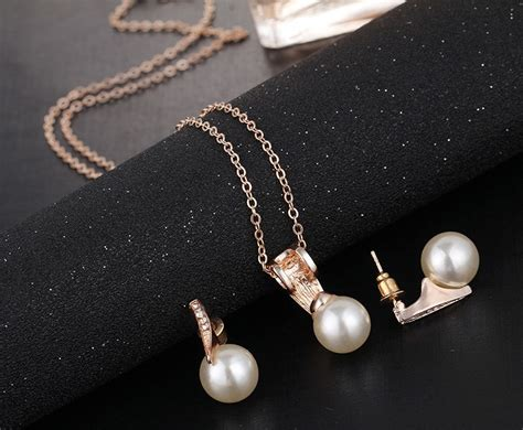 Set Kalung Gold Water Drop pearl set gold color necklace and water drop earrings chokers pendants