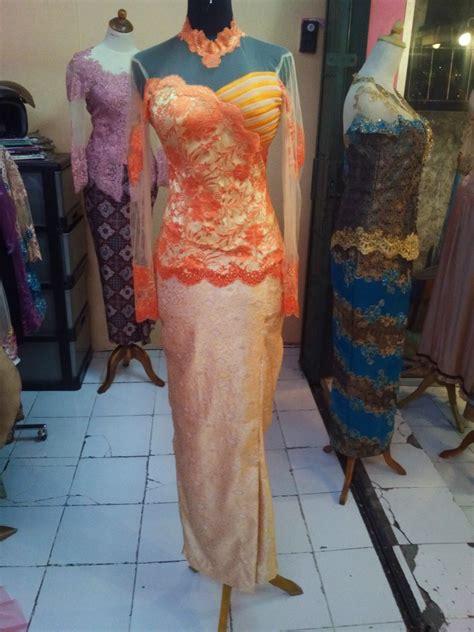 Setelan Kebaya Katun Tarya Orange kebaya brocade orange aplikasi offneisel