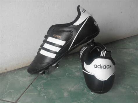 Sepatu Bola Kaisar 5 Jual Sepatu Bola Adidas Kaiser 5 Pull Besi Myshoes