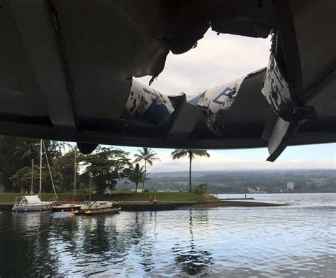 hawaiian lava boat tours cost hawaii volcano boat tours continue after lava injuries