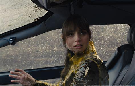 Yellow Raincoat Girl Meme - blade runner 2049 is a fantastic movie open spoilers