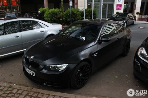 BMW M3 E92 Coupé Frozen Black Edition   25 Januar 2013