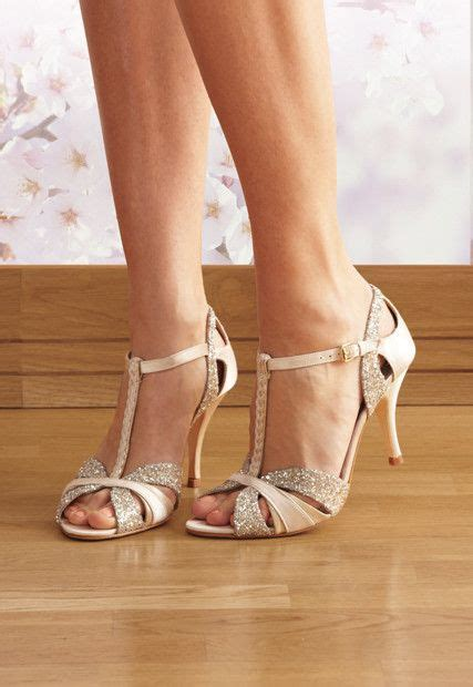 25  best ideas about Dance shoes on Pinterest   Dancing