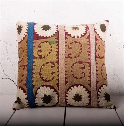 how to puff up pillows 145 best puff up your pillows with beautiful fabric