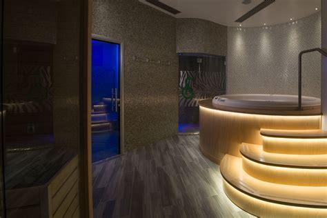 spa con vasca idromassaggio in idromassaggio spa sainteclaire