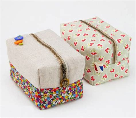 Handmade Pouch Tutorial - box bag boxy pouch diy sewing tutorial in pictures