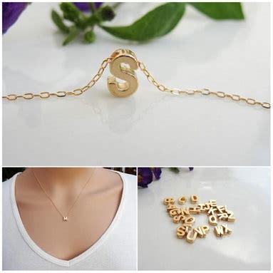 Kalung Inisial Huruf Gold 239 3 alasan menggunakan liontin huruf jewelry
