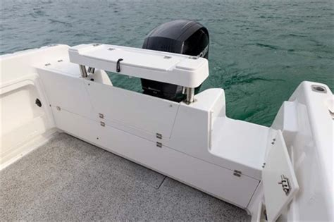 layout boat with transom haines hunter 565r review trade boats australia