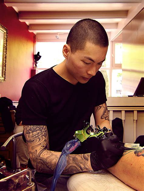 tattoo artist without tattoos artist creates impressive freehand tattoos on the