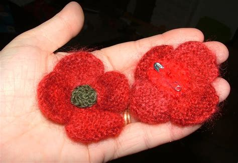 knitting pattern red poppy raising seedlings remembrance day knit and felted poppies