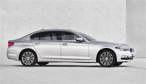 kereta bmw 5 series 2018 bmw 5 series li shows off elongated looks in shanghai
