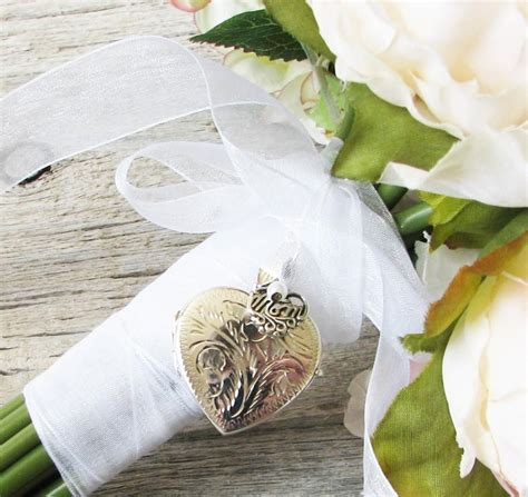 Wedding Bouquet Locket by Bridal Bouquet Locket Of The Locket
