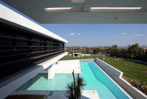 impressive ultra modern house  athens architecture beast