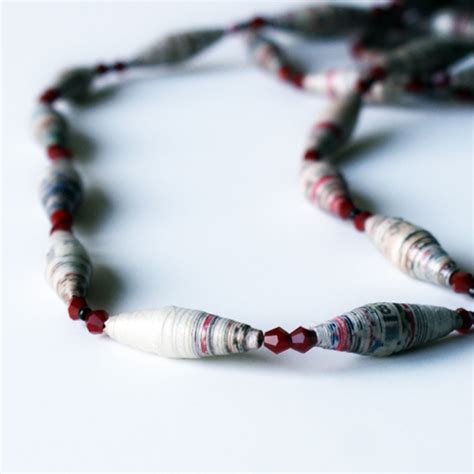 How To Make A Paper Bead Necklace - how to make paper