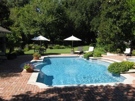 best backyard swimming pools 25 best ideas about pool shapes on pinterest pool