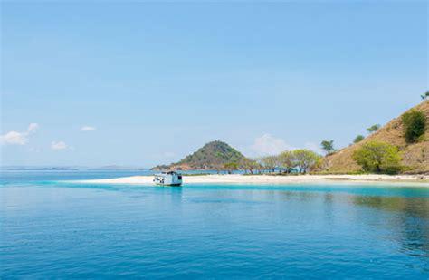 destination ayana komodo resort waecicu beach