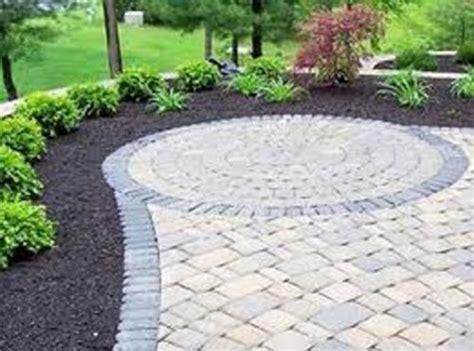 pavimentazione giardino economica come realizzare una pavimentazione esterna con il fai da te
