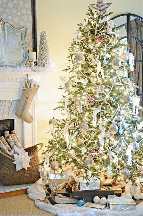 30 beautiful christmas tree garland decoration ideas
