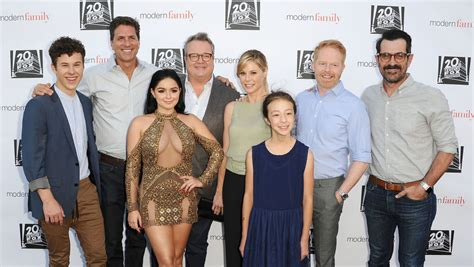 modern family modern family cast creator hopeful about show s future reporter