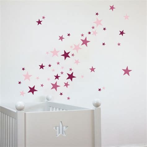 kinderzimmer wandgestaltung himmel wandtattoo sterne f 252 r das kinderzimmer rosa