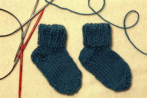 knitting socks on 9 inch circular needles how to knit socks with two circular needles