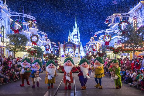 7 tips to help you get the most out of mickey s very merry