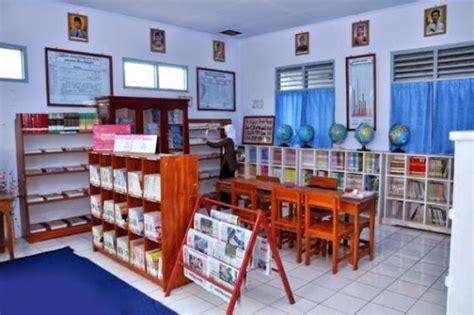 interior perpustakaan pendidikan berbasis perpustakaan merancang desain
