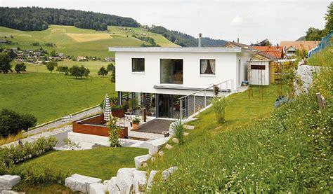 Einfamilienhaus Hanglage Planen bauen am hang swisshaus ag