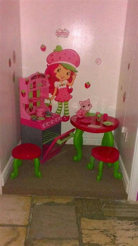 strawberry shortcake bedroom decor 160 best images about strawberry shortcake on pinterest