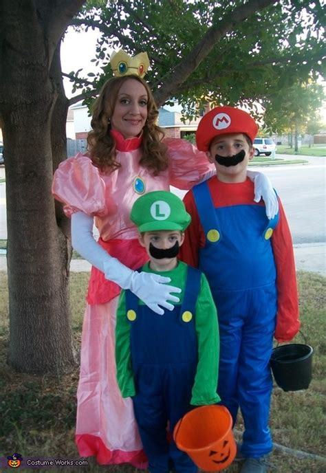 princess peach mario  luigi costume